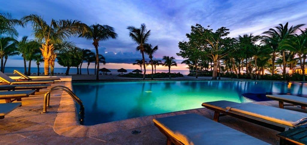 residencias reef pool
